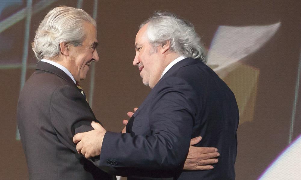 Girão Pereira entrega prémio a Carlos Campolargo