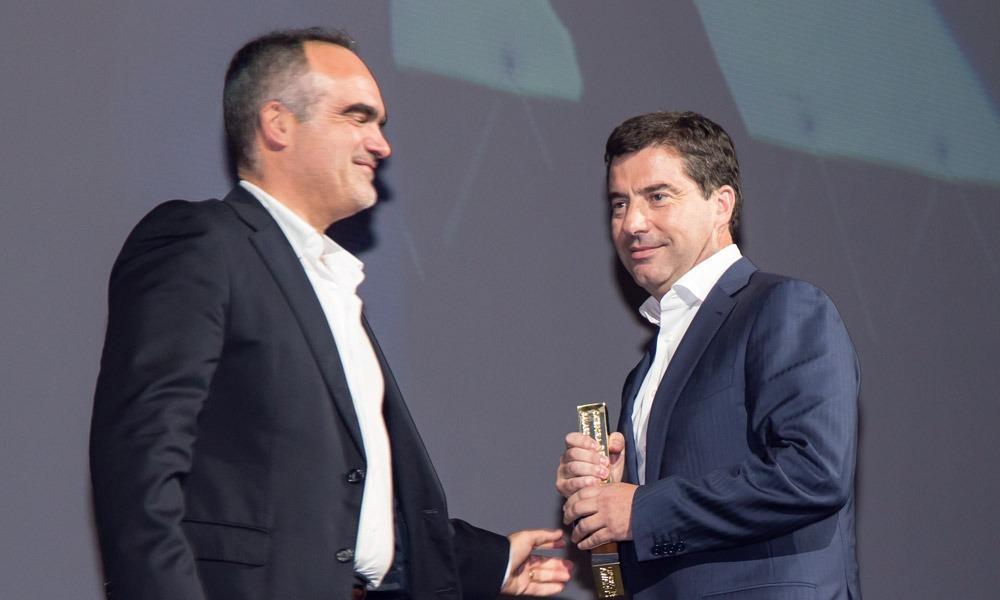 Ricardo Luz entrega prémio a Artur Varum (Civilria)