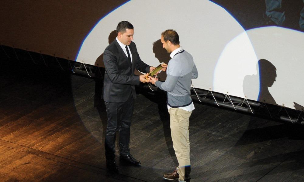 Marco Amorim entrega prémio a Diogo Carvalho