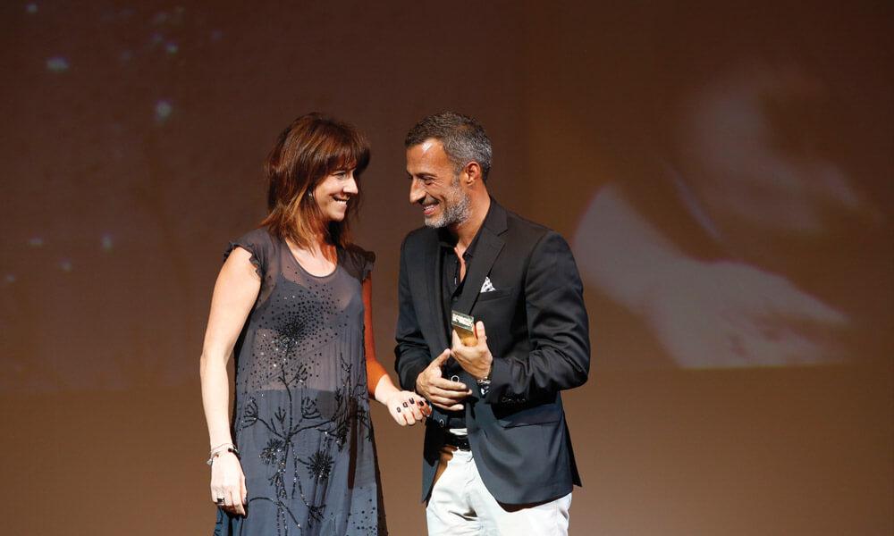 Susana Lopes entrega prémio a Luís Onofre