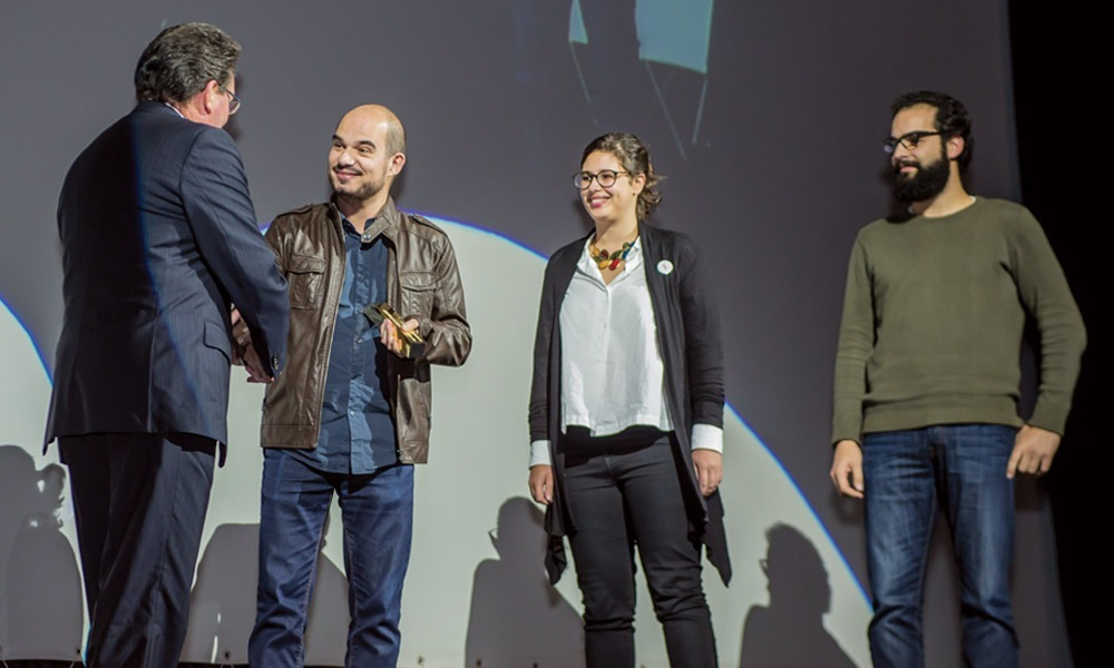 Antonino Viegas entrega prémio a João Afonso (Musikki)