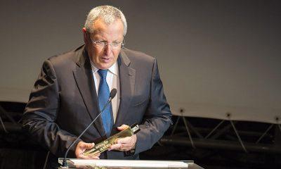 Manuel Assunção entrega prémio a António Oliveira (OLI)