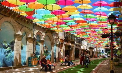 rua-umbrella-sky-project-litoral-magazine
